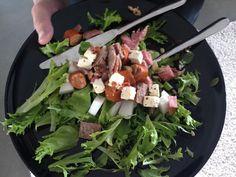 Laiskalauantain makkarasalaatti - salaatti nro 22