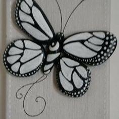 Art#galets#pebbleart#mesuivre#peinture#decoration#papillon#noiretblanc#folloxme#peinture#rocks#