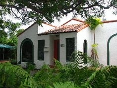 Old Florida Charm In This Nicely Updated And Well Located Home