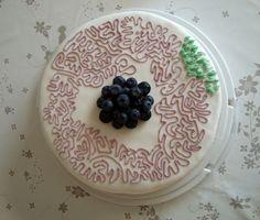 Mudcake med lemoncurd-creme og blåbær