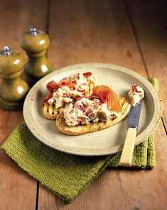 Cannellini beans and rosemary on bruschetta recipe. This easy vegetarian bruschetta with SunBlush tomato and rosemary is great on pugliese or sourdough bread. Bean Recipes, Healthy Recipes, Healthy Food, Free Recipes, Healthy Eating, Pecans, Feta, Vegetarian Italian Recipes, Food Obsession