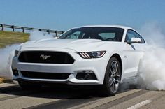 """2015 Ford Mustang Named """"Best Value in America"""" for Sports Cars from Vincentric"""