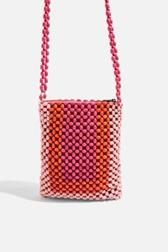 7 Bag Trends Fashion Girls Can't Stop Wearing Bag and Purse Trends Spring 2018 - Runway Bags Spring 2018 Diy Bags Purses, Cute Purses, Purses For Sale, Purses And Handbags, Fabric Handbags, Fabric Purses, Beaded Purses, Beaded Bags, Sacs Design