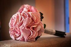Pétalos naturales.Ramo de novia especial. Gran trabajo del florista
