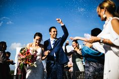 'Laura Barbera Photography' perfectly captures a newly married couple celebrating at their destination wedding.  To speak to 'Laura Barbera Photography' about your Italian Wedding, please visit www.stylemyweddingitaly.com