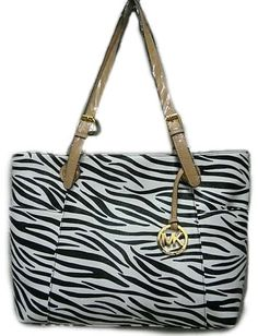 designer totes for girls, low cost reproduction custom purses at wholesale prices.