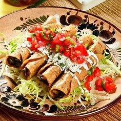 Flautas #traditionalmexicanfood #antojitosmexicanos #rico #good #food #foodie #foodpost #foodporn #foodlover #simplefood #homemade #tortillas #beef #salad #hotsauce #beans  Yummery - best recipes. Follow Us! #foodporn