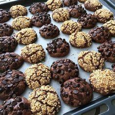 #Repost @agiztadiniz ・・・ (Tarif bir ölçülük.Ben iki ölçü yaptım 1.5 fırın tepsisi çıkıyor.sizde çok olsun isterseniz ölçüleri 2katına… Cookie Recipes, Dessert Recipes, Churros, Fudge, Food Inspiration, Donuts, Tart, Biscuits, Caramel