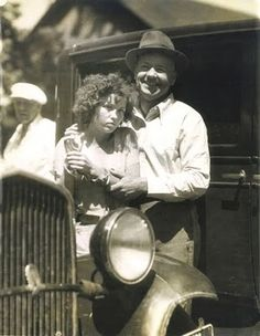 Bonnie and Clyde Vintage Photo Blanche Barrow Bank Robber Police Custody 20574 for sale online Bonnie Clyde, Bonnie And Clyde Photos, Bonnie Parker, The Babadook, Real Gangster, Bank Robber, Vintage Pictures, Back In The Day, Historical Photos
