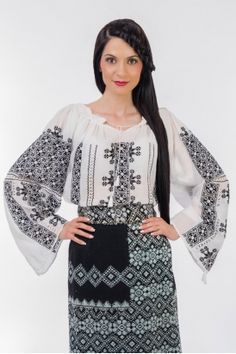 Ie traditionala romaneasca cu maneca lunga RL0219 Folk Fashion, Ethnic Fashion, Ukraine, Bell Sleeve Top, Traditional, Costumes, Blouse, Creative, How To Wear