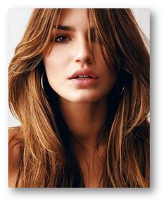If there's one beauty trick every bride-to-be needs to know, it's how to transform her hair with the perfect blowout. Latest Hairstyles, Messy Hairstyles, Wedding Hairstyles, Beautiful Models, Most Beautiful Women, Perfect Blowout, Blowout Hair, Portraits, Portrait Shots