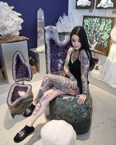 Hot Inked Girls, Hot Goth Girls, Hot Tattoo Girls, Hot Tattoos, Body Art Tattoos, Girl Tattoos, Tattoos For Women, Tattoed Women, Tattoed Girls