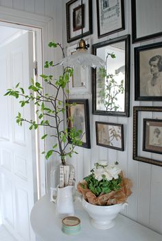 Vintage cottage styling. for entry or living room.