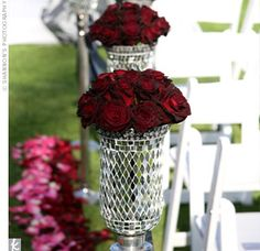 aisle decoration in mirror vases | #ceremony #roses