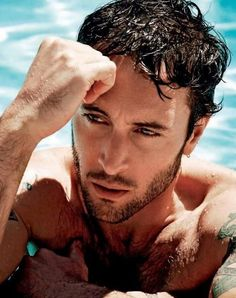 Alex OLoughlin!     Marry me? classyamanda