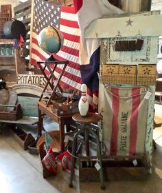 patrolling the 'hood, rescuing vintage treasures Vintage Booth Display, Antique Booth Displays, Antique Mall Booth, Antique Booth Ideas, Craft Booth Displays, Antique Shops, Display Ideas, Market Displays, Store Displays