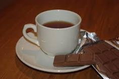 chá com chocolate