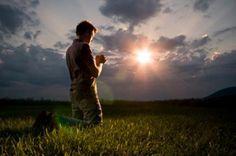 """""""Amadísima y Santísima Divina Trinidad:  Yo os suplico me envíen la luz de la Verdad en este asunto en particular para poder decidir a favor de la Voluntad Sacrosanta.  Libérenme, por el Amor que les tienen a sus criatura, de decidir con mi propia humanidad tan falible y tendiente a error."""" Amen (Oración entregada a Y María del Getsemaní, 2012) www.tambienestuya.com"""