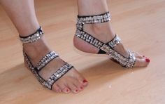 Voet versiering ZWART elastisch met ZILVEREN pailletten + bijpassende armband…