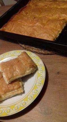"""Η Συνταγή είναι της κ.   Φωτεινη Γιτσα  - Viky Pita(εκτέλεση)   – """"ΟΙ ΧΡΥΣΟΧΕΡΕΣ / ΗΔΕΣ"""".    ΥΛΙΚΑ  2 κ.σ βούτυρο   4 κ.σ αλεύρι  2 1/2 φλυτζανια του τσαγιού γάλα   εμένα το φλυτζανι κ εννοω French Toast, Breakfast, Food, Morning Coffee, Essen, Meals, Yemek, Eten"""