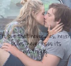 New 'Endless Love' images starring Alex Pettyfer and Gabriella Wilde