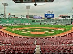 Photo Tour of Boston's Fenway Park Mlb Red Sox, Red Sox Cap, Red Sox Baseball, Baseball Park, Baseball Field, Boston Sports, Boston Red Sox, Nba Arenas, Go Red