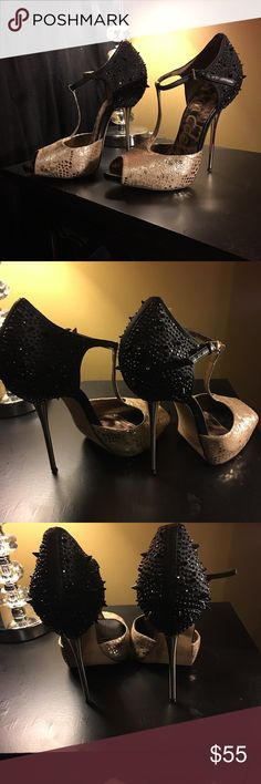 Sam Edelman Black and Gold Heels Barely worn Sam Edelman spiked heels! Dust bag, box and replacement taps all included! Sam Edelman Shoes Heels