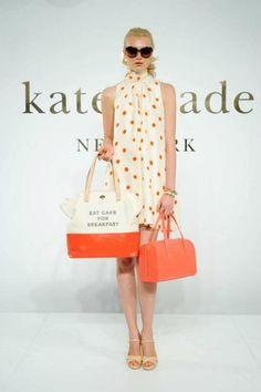 Needs orange heels too.