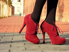 http://www.ebay.com/itm/High-Heel-Platform-Lace-Up-Ankle-Boots-Booties-Burgundy-Tally-Weijl-/271171611469?pt=US_Women_s_Shoes=item3f23166b4d booties lace up