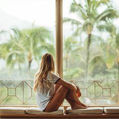 "4,803 mentions J'aime, 41 commentaires - Roberto Nickson (@g) sur Instagram: ""Rainy mornings in Kauai w/ @moonstrucktraveller"""
