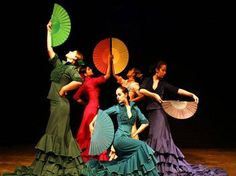 love the colors! Spanish Gypsy, Spanish Dance, Mexican Costume, Teach Dance, Dance Dreams, Dance Project, Flamenco Dancers, Photo Journal, Film Stills