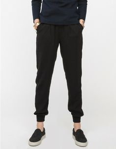 Outsider Pants In Black Fashion Story, Fashion Outfits, Fashion Styles, Structured Fashion, Sweatpants Style, Travel Pants, Fashion Joggers, Pretty Outfits, Pretty Clothes