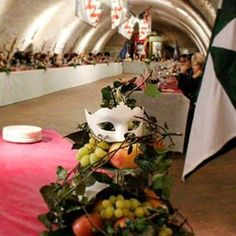 @rionesanpaolo Nel 1473 un editto di Ercole I d'Este autorizzava i cittadini a girare in maschera e a svagarsi: oggi il Carnevale ferrarese è un mirabile sfoggio di costumi ispirati al periodo rinascimentale #rinascife2016 - http://www.rionesanpaolo.com