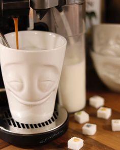 #kaffee #coffee #koffie #butfirstcoffee #ohnekaffeeohnemich #time4coffee #ahuginamug #beimerstenkaffeeklappehalten #milchkaffee #cappuccino #caffeelatte #instacoffee #coffeegram #coffeegasm #nothingisordinary #coffeeandseasons #kaffeeliebe #kaffeejunkie #kaffeezeit #simplethingsmadebeautiful #druckrauslebensfreuderein #entschleunigung #diealltagsfeierin #alltagsfeierei #teamalltagsfeierer