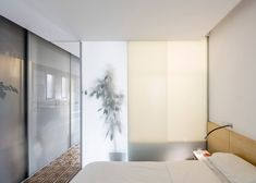 Barcelona-based architects Joan Ramon Pascuets and Monica Mosset of narch studio have recently refurbished an early twentieth century apartment in Eixample district. Arch Interior, Interior Design, Barcelona Apartment, Journal Du Design, Apartment Renovation, Decorative Tile, Spanish Style, Architecture, Decoration