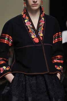 Alberta Ferretti Spring 2014 This looks like modern Frieda Kahlo to me.
