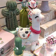 """43 publicações - Veja as fotos e vídeos do Instagram a partir da hashtag """"galeriacactos"""" Alpacas, Baby Cactus, Llama Birthday, Llama Alpaca, Flamingo Party, Party Activities, Patch Quilt, Clay Creations, Craft Items"""