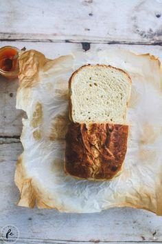 Rezept für Toastbrot (vegan) Cupcakes, Easy, Bread, Vegan, Sweet, Food, Sandwich Loaf, Simple, Recipies