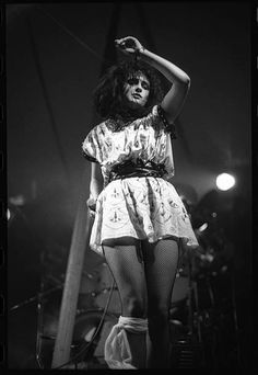 photo-of-siouxsie-and-the-banshees-and-siouxsie-sioux-and-siouxsie-picture-id85218597 (422×612)