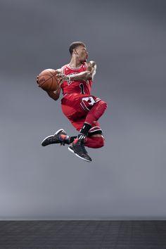 Derrick Rose jumping