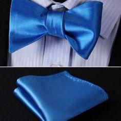 Kravatové sady a sety ako napríklad motýlik + vreckovka sú často Tie, Accessories, Fashion, Moda, Fashion Styles, Cravat Tie, Ties, Fashion Illustrations, Jewelry Accessories
