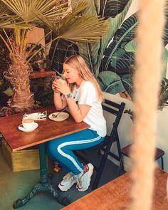 Mijn favoriete Fashion Instagrammers – Natizavdl Avoid People, Van, Couple Photos, Instagram, Fashion, Couple Pics, Moda, Vans, Couple Photography