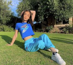 💙 Dm me '🍣' to be added to gain group chat 💭💙  Teenage Outfits, Girl Outfits, Cute Outfits, Fashion Outfits, Aesthetic Girl, Aesthetic Fashion, Aesthetic Clothes, Insta Photo Ideas, Poses For Photos