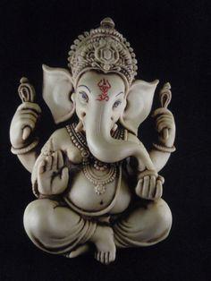 Ganesh statue- I know I'm not hindu but can I please have this? Sri Ganesh, Lord Ganesha, Clay Ganesha, Shiva, Krishna, Om Gam Ganapataye Namaha, Ganesh Idol, Ganesh Statue, Ganpati Bappa