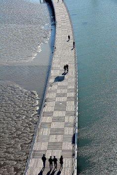 Lisbon - path along the #Tagus river - People walking, Parque das Nações, Park of the Nations Lisbon, Portugal_2171