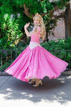 Give us a twirl! Walt Disney, Aurora Disney, Disney Magic, Disney Pixar, Disney Fairies, Disney Princess Cosplay, Disney Cosplay, Disneyland Princess, Princess Aurora