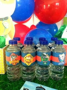A quick, free and easy printable for this week. Paw Patrol water bottle labels to add to your party table. With these printables you can also use them for other things, from bag tags or other types of favour bags. Make sure to share your party setup … Paw Patrol Pinata, Paw Patrol Party Favors, Paw Patrol Birthday, Boy Birthday Parties, 3rd Birthday, Party On Garth, Water Party, Bottle Labels, Party Themes