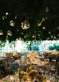 77_detallerie_wedding-planner_romantic-and-elegant-wedding_table-setting_reception_flowers