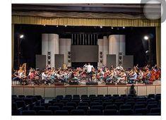 Conciertos por aniversarios de la @orqsinfonicagye Hoy se presentará Sinfonía Andina a las 19:00 en la Catedral Metropolitana de Guayaquil. Mañana a las 19:30 se estrenará Daphnis et Chloe en el Teatro Centro Cívico Eloy Alfaro. Ambas son con entrada libre. Ecuador, Chloe, Guayaquil, Concerts, Entryway