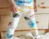 SCRIBBLES baby and kid leggings. Screen printed on soft white organic cotton. 4-color silkscreen. 0-6m / 6-12m / 12-18m / 2T / 3T / 4T